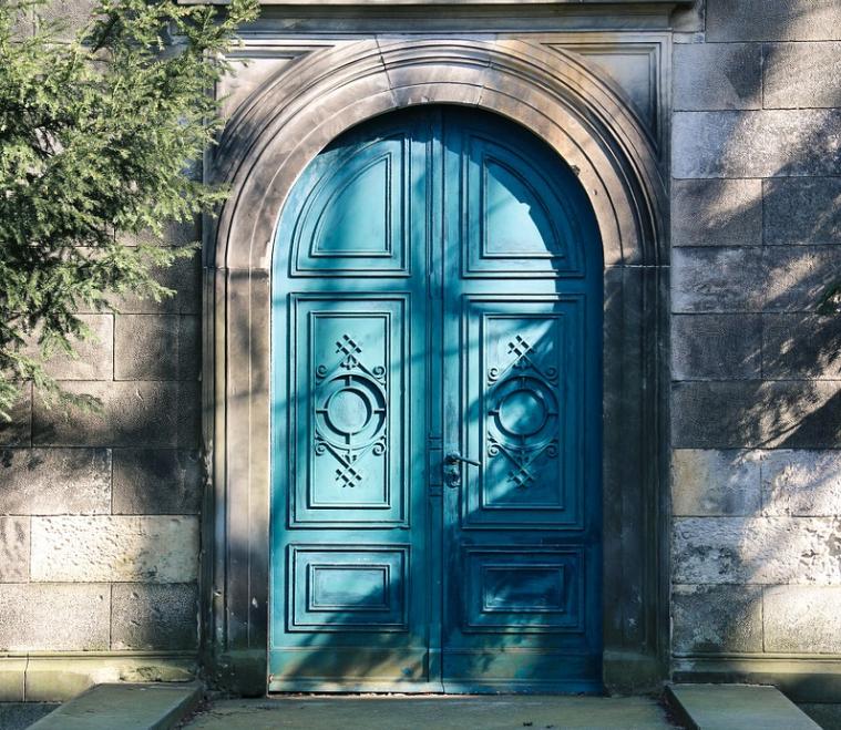 Des portes sur mesure – il suffit de les construire soi-même